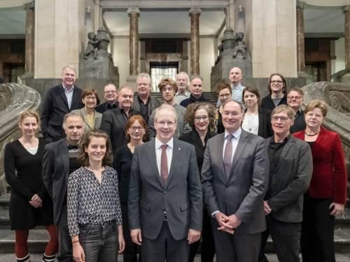 Die Mitglieder des Kulturrats und Oberbürgermeister Stefan Schostok