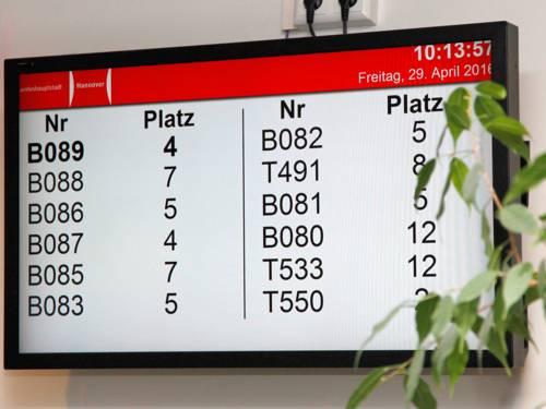 Ein Display, auf dem Nummern  zu sehen sind