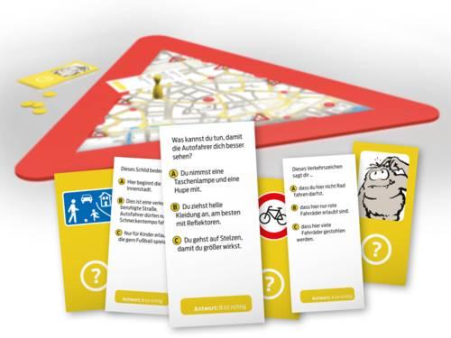 Quizkarten mit Fragen zum richtigen Verhalten im Straßenverkehr