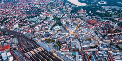 Luftbild über die Stadt