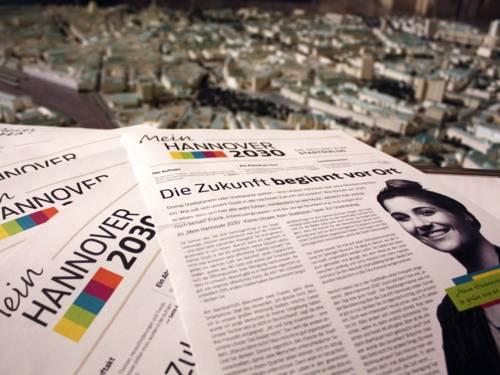 Foto von der ersten Ausgabe der Zeitung zum Stadtdialog