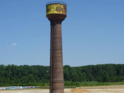 Der alte Continental-Turm auf dem ehemaligen Fabrikgelände