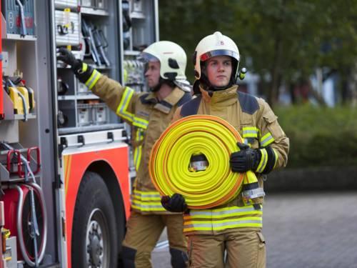 Symbolbild-Brandschützer mit B-Schlauch