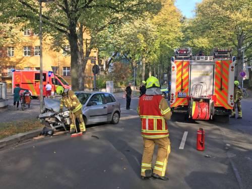 Zwei Verletzte nach Verkehrsunfall in der Gneisenaustraße