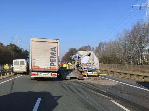 Schwerer Verkehrsunfall auf der Bundesautobahn 2