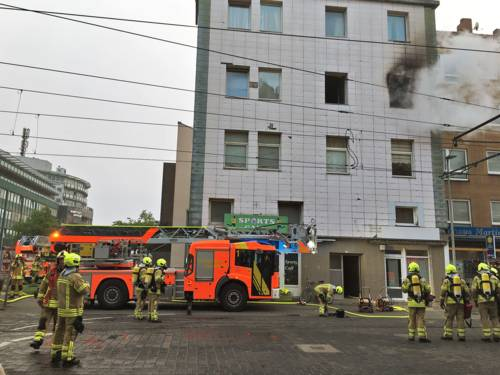 Eine Wohnung brannte vollständig aus.