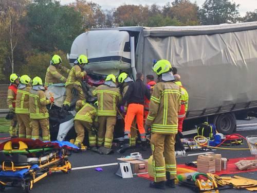 Schwerer Verkehrsunfall auf der Autobahn 2