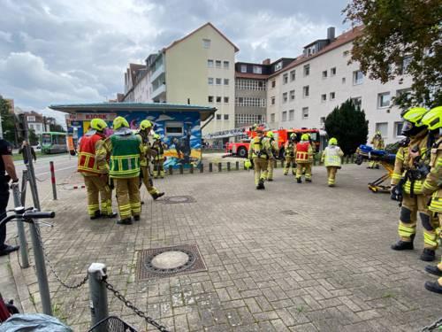 Ein Kellerraum brennt im Stadtteil Linden-Süd