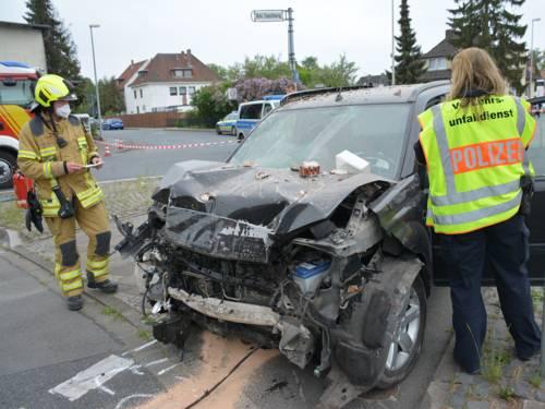 Ein demoliertes Auto