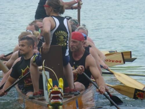 Das Drachenbootteam der Berufsfeuerwehr Hannover war auf dem Maschsee nicht zu schlagen und erkämpfte sich im großen Finale den fünften Sieg.