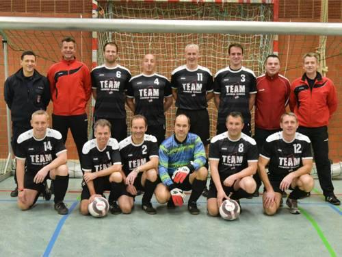 Hannovers Mannschaft in der 22. Offenen Deutschen Feuerwehrmeisterschaft im Hallenfußball für Senioren in Hannover am 25.11.2017
