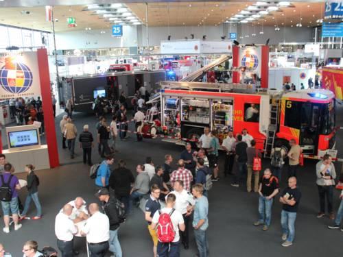 Überblick gemeinsamer Stand der Feuerwehren aus Hannover und Poznan bei der INTERSCHUTZ 2015