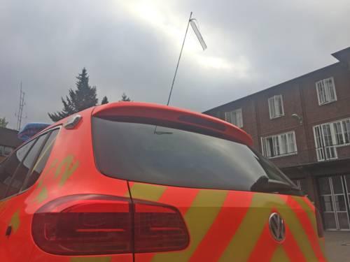 Mit großer Trauer und Mitgefühl haben Hannovers Brandschützer den Tod von drei Feuerwehrleuten in Ludwigshafen und Oberhausen zur Kenntnis genommen. Wir fühlen mit den Angehörigen und Betroffenen. Vor diesem Hintergrund werden alle Einsatzfahrzeuge der Feuerwehr mit Trauerflor versehen.