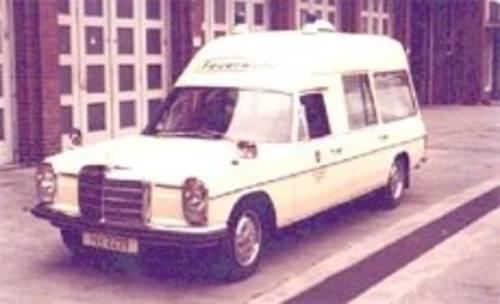 alter Krankentransportwagen