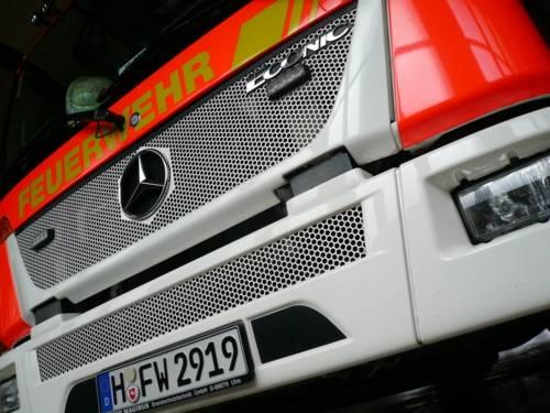 Front Drehleiterfahrzeug Feuerwehr
