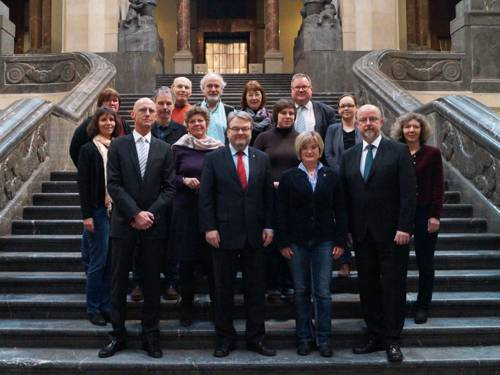 Gruppenaufnahme der Mitglieder des Kommunalen Präventionsrat im Rathaus