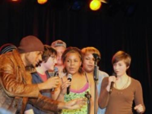 Eine Aufnahme vom Antirassismustag der IGS Linden im März 2009.