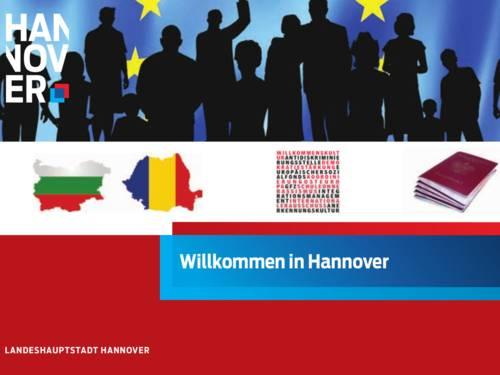 """Bildausschnitt, auf dem Sterne und Silhouetten von Menschen erkennbar sind. Weiter unten sind Umrisse von EU-Ländern und die Abbildung eines Reisepasses. Auf einem Schriftzug im unteren Bereich steht """"Willkommen in Hannover!"""""""