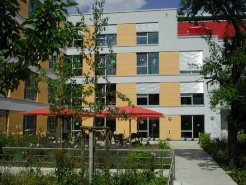 Die Gärten an den Hausgemeinschaften Devrientstraße