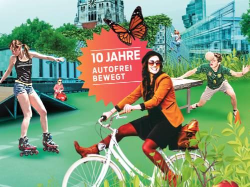 Collage, auf der im Hintergrund markante Gebäude Hannovers stehen und im Vordergrund fünf Personen, die sich unterschiedlich bewegen: mit Rollerskates, Bobbycar, Fahrrad, als Fassadenkletterer oder beim Sport.