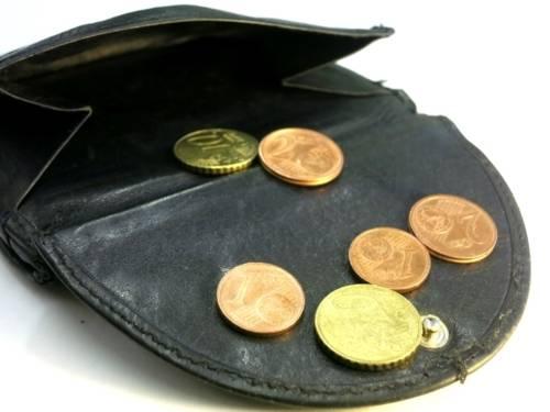 Geldbörse mit einigen Cent-Stücken