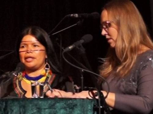 Patricia Gualinga und Isabella Radhuber im Gespräch