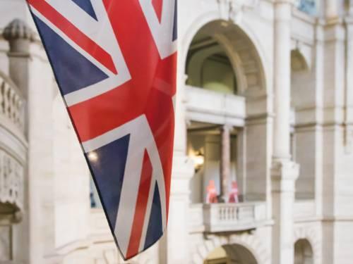Die Britische Flagge in der Rathaushalle