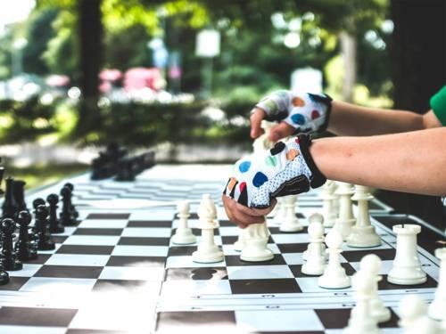 """Findet regen Zulauf: Der Schachsport ist ein Angebot von """"Sport im Park""""."""