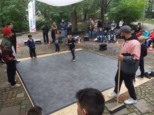 Früh übt sich! Die Kleinsten auf der Tanzfläche beim Woodz Breaking Battle im Wakitu.
