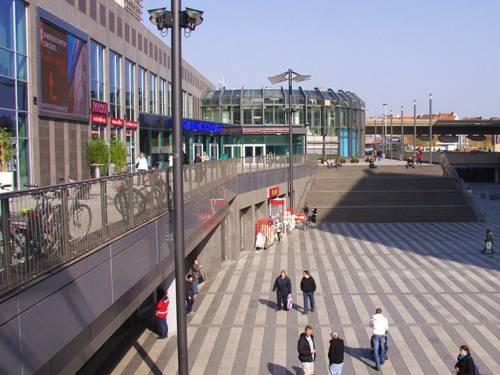 Ein großer Platz mitten in der Stadt