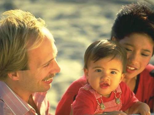 Junges Paar mit Kleinkind