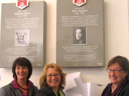 Enthüllung der Stadttafel für Mary Wigman