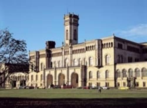 Universität Hannover, Blick auf das Hauptgebäude