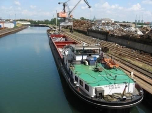 Schiffe mit Schrott