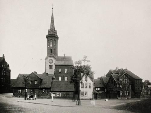 Historisches Foto einer Kirche