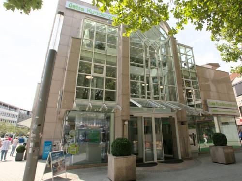 Eingangsportal des üstra Kundenzentrums