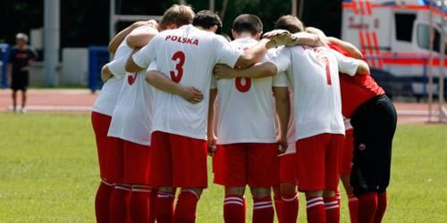 Eine Aufnahme vom Internationalen Hannover Cup 2012: Das polnische Team stimmt sich auf ein Spiel ein.