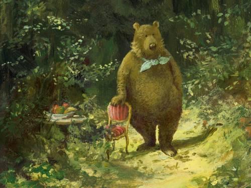 Gemälde eines Bären mit Halstuch, der aufrecht neben einem Stuhl auf einem Waldweg steht.