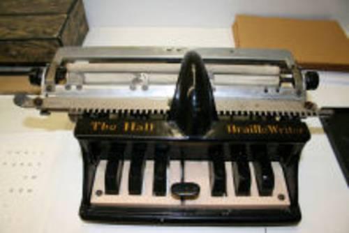 Maschine zum Schreiben der Brailleschrift