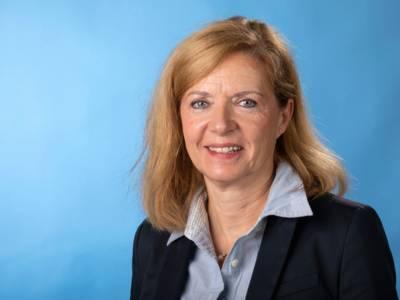 Dr. Andrea Hanke