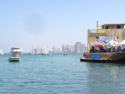 Schiffe im Hafen von Tel Aviv