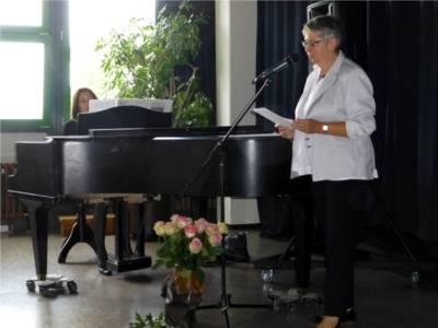 Bezirksbürgermeisterin Brigitte Schlienkamp begrüßt die geladenen Gäste.