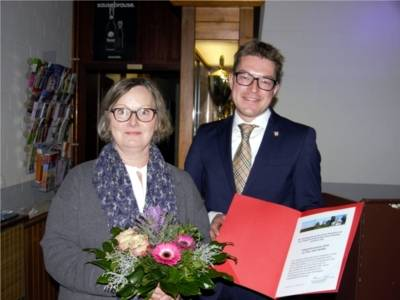 Integrationspreisträgerin Frau Oda Heißler und Bezirksbürgermeister Henning Hofmann.