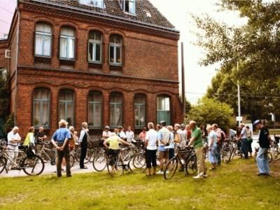 Eine Gruppe von Fahrradfahrern bei einer Audio-StadtRadTour.