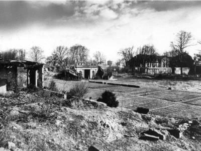 Das zerstörte Schloss 1944