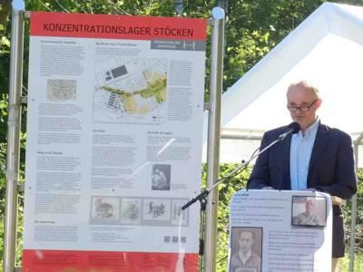 Hans Hoffmann bei der Gedenkfeier für die Opfer des KZ Stöcken