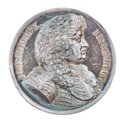 Medaille, Porträt im Profil Herzog Johann Friedrich, Silber, um 1680
