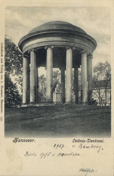 Scene of the Leibniz memorial at its original location on the Adolfstraße/Waterlooplatz height. Photo postcard, circa 1909.
