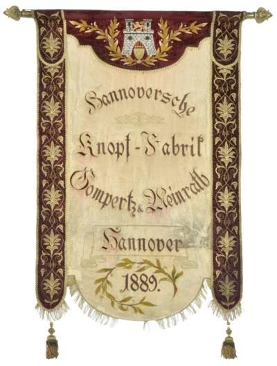 Fahne der Hannoverschen Knopffabrik Gompertz & Meinrath