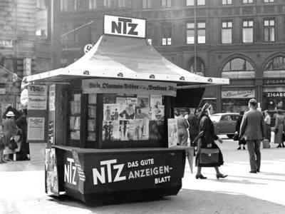 Kiosk mit NTZ-Reklame, Foto Wilhelm Hauschild, 1936